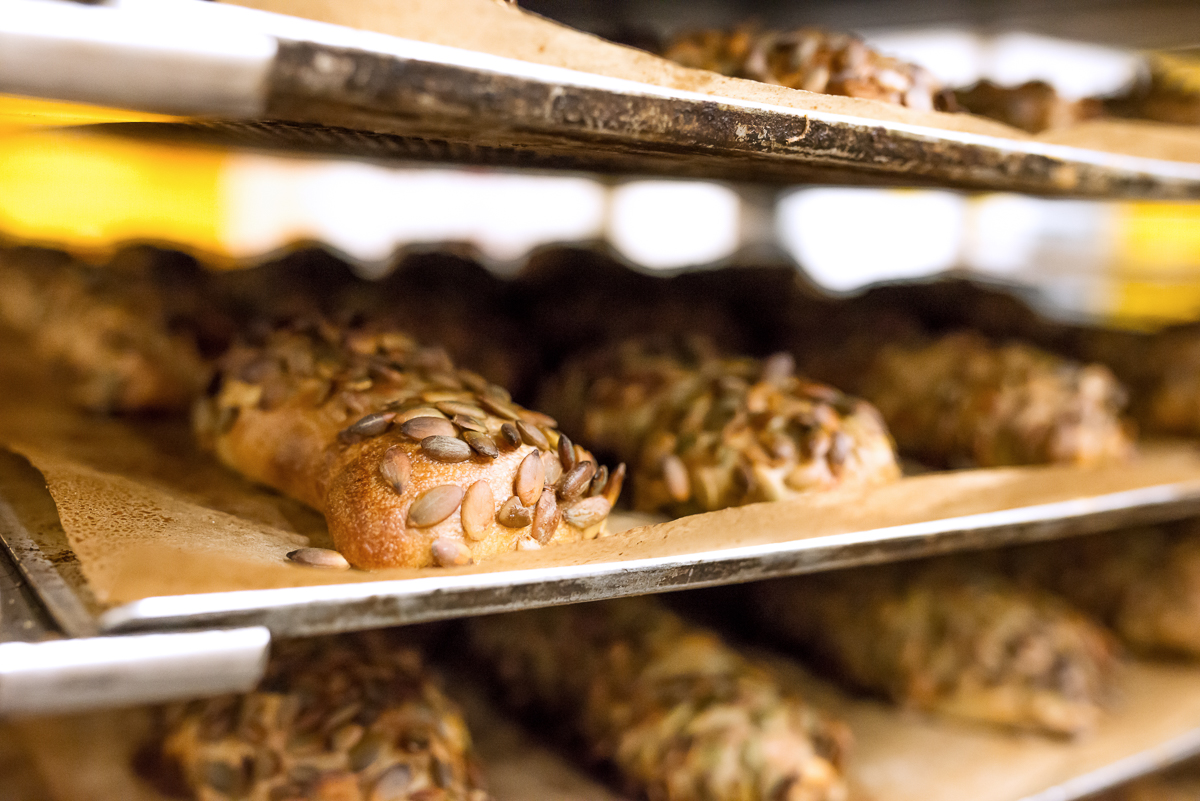 Frische Körnerbrötchen in der Bäckerei Padeffke
