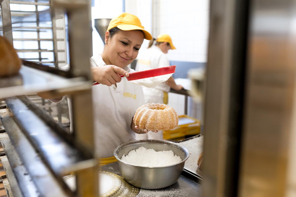 bäckerei-padeffke-backen